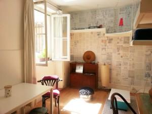Un challenge : décorer cet espace sans passer par Ikéa ! Mode d'emploi : Le Bon Coin, Emmaüs, Marché d'Aligre et du savoir faire ;-)